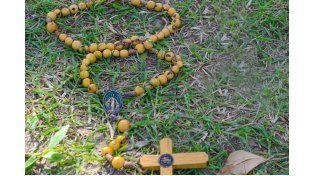 EN TERRENO. Grupos religiosos de jóvenes peregrinan y predican la fe religiosa.