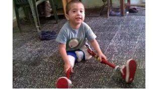 Pedido. La familia solicitó ayuda a la población para recuperar las piernas.