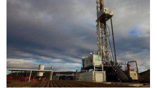 Derrame de petróleo en Neuquén: Pan American Energy rompió un oleoducto de YPF