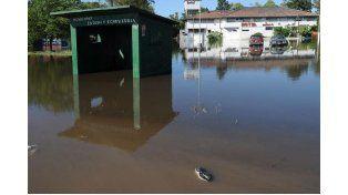 Casi 1.000 evacuados por el violento temporal en Corrientes