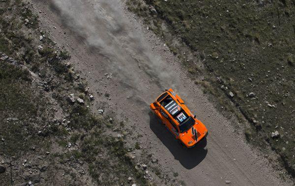 Terranova volcó y le dejó la punta del Dakar a Al-Attiyah
