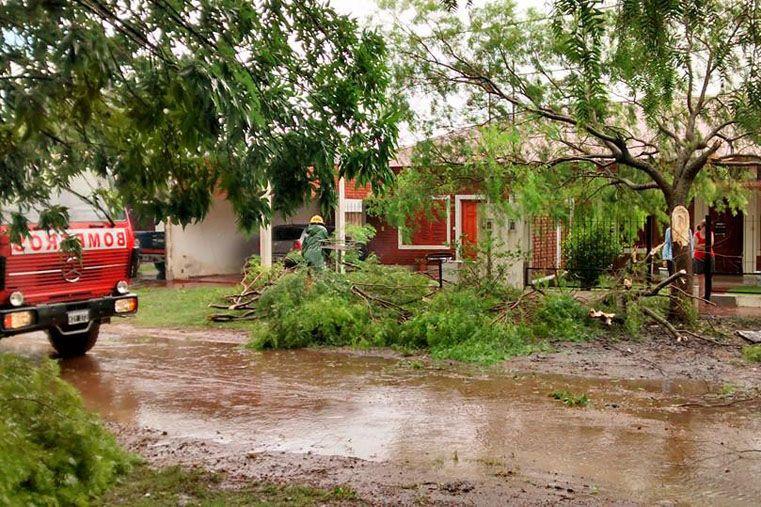 Un fuerte temporal causó daños en las lineas de alta tensión en el sur. Foto: La Región