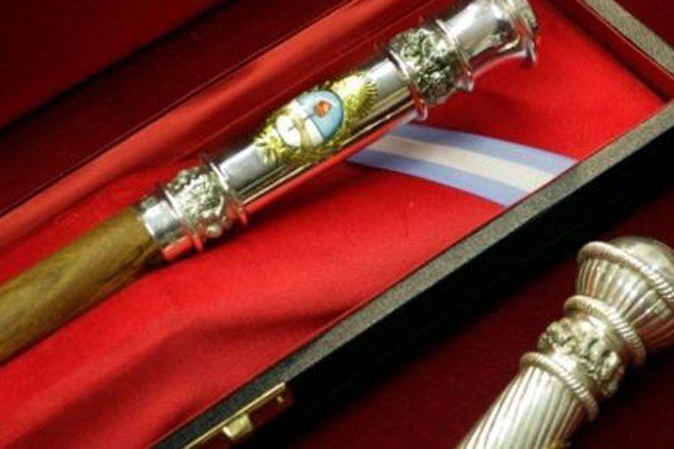 Empezó a fabricarse el bastón presidencial para este año