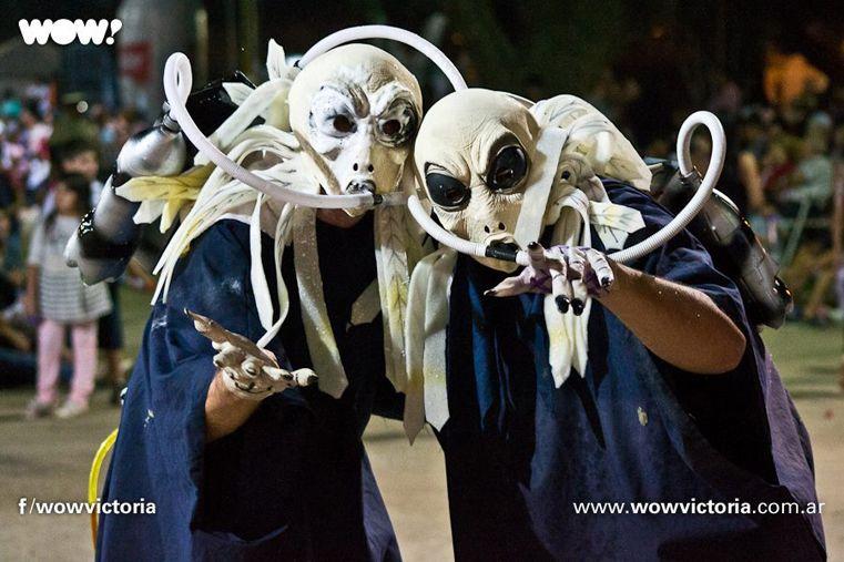 Estrafalarios. Las máscaras sueltas son típicas en Victoria y se espera que este año se reproduzcan.
