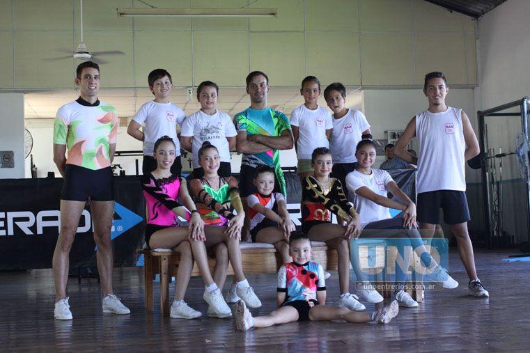 El Grupo Gar a cargo de Sabater (en el centro de la foto) se prepara para un nuevo año de competencias.  (Foto UNO/Juan Ignacio Pereira)