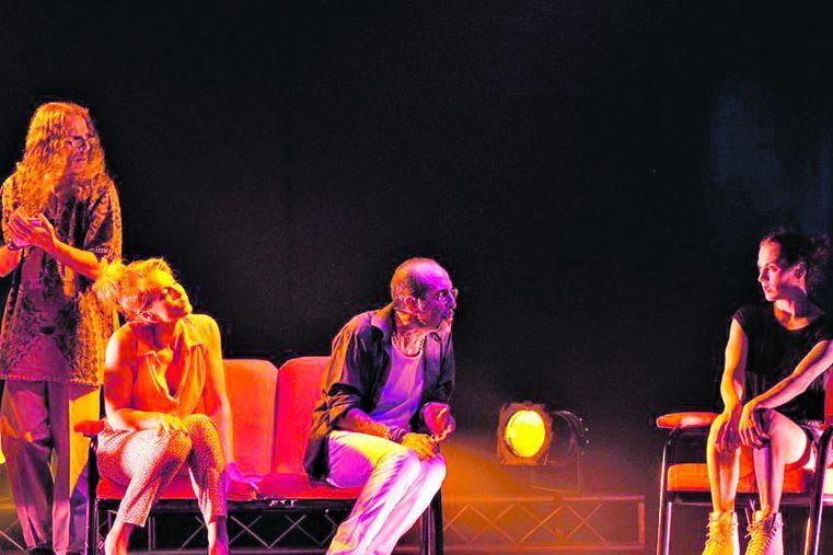 Apertura. La cartelera teatral en Colón se inició en diciembre.