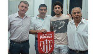Alexis Ekkert selló el miércoles su contrato con la dirigencia de Atlético Paraná.