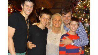 Bahl y familia. El ministro de Gobierno en la tradicional foto navideña.