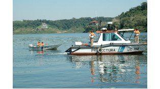 Buscan el cuerpo de un joven en aguas de Salto Grande