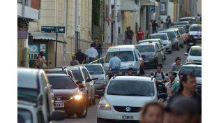 Multarán por estacionar en el centro de Paraná