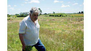 Pepe Mujica de vacaciones: en la calle y con gorra artiguista