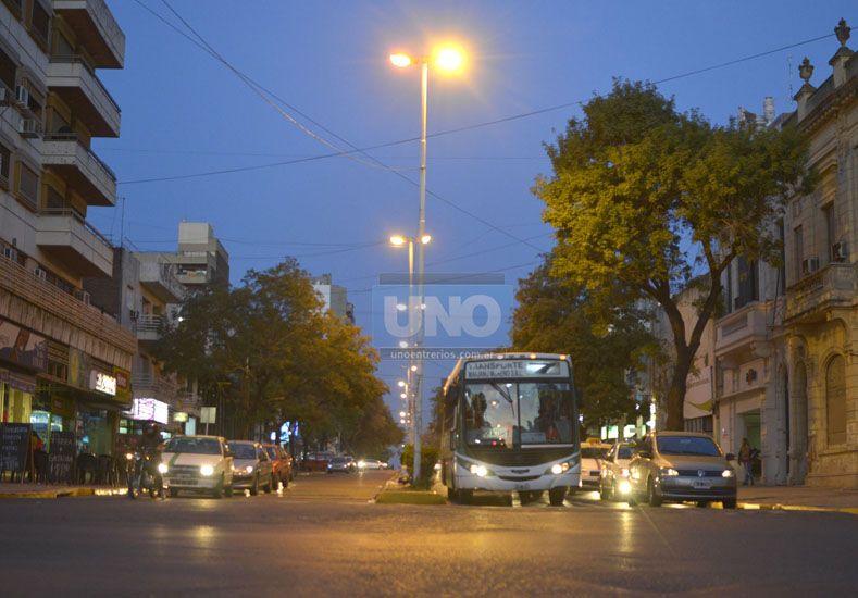 Doble mano. Una de las calles que modificarán su sentido será 25 de Mayo.  Foto UNO/Mateo Oviedo
