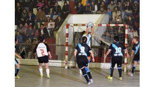 Gran marco de público. La final del Futsal femenino tuvo una gran concurrencia de espectadores.