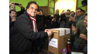 El gobierno de Macri no pasó su primer test electoral: Llamosas ganó en Río Cuarto