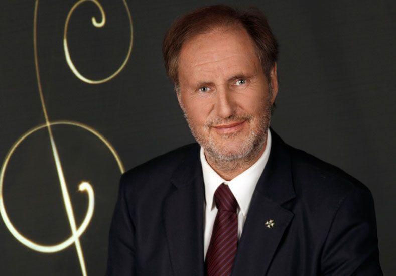 Conductor. Ernest Hoetzel será el director invitado.