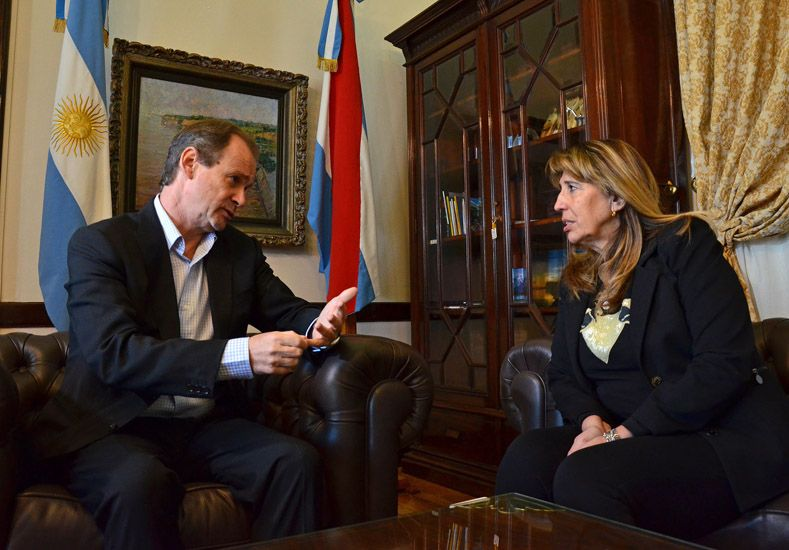 Bordet y la diputada Cremer en la Casa Gris. Foto Ministerio de Cultura y Comunicación.