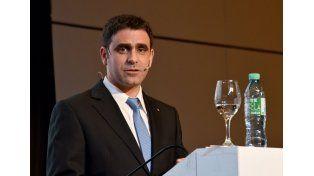 Gonzalo Simón explicó como realizan los estudios clínicos en el país. Foto GSK.