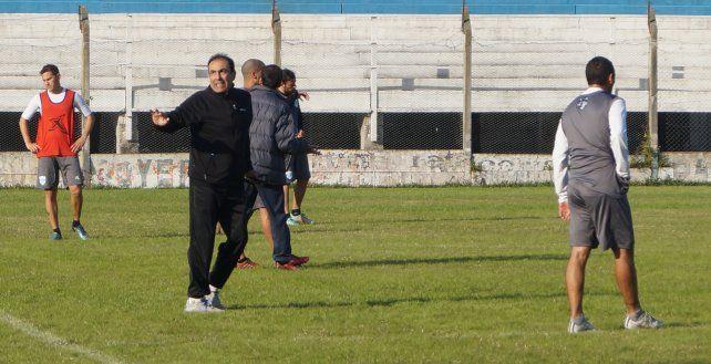 El experimentado técnico dirigió su primera práctica en su regreso al equipo de La Histórica.