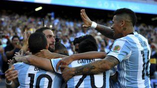 Argentina goleó a Venezuela y va por EE.UU en Houston