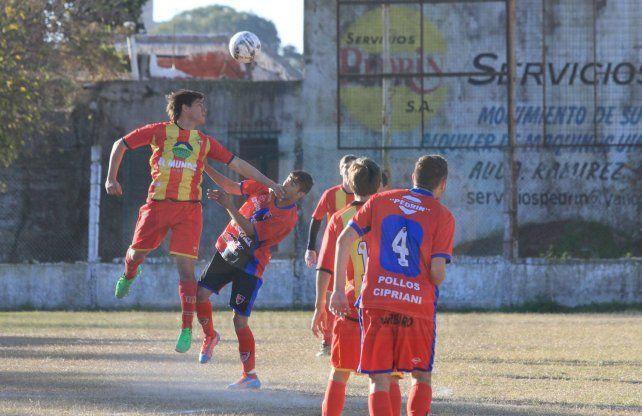 El Pingüi sacó adelante un partido complicado ante Palermo y lidera junto a Ministerio en la Zona B.