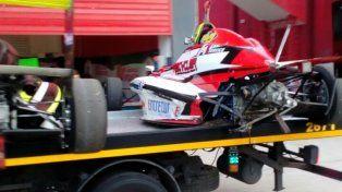 Destruido. El auto de Exequiel Bastidas quedó roto en la FR 2.0. Se arregló y el joven paranaense terminó sexto el domingo.
