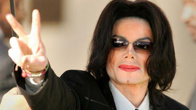 Michael Jackson tenía una colección de pornografía infantil y videos de tortura animal
