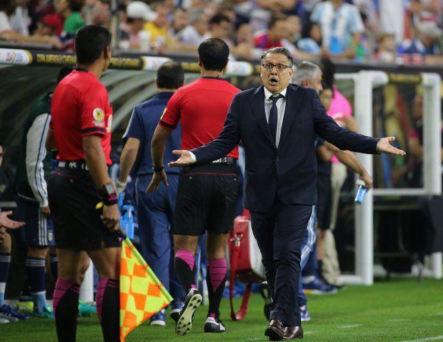 Martino:Está muy bien que el mejor futbolista del mundo sea el goleador histórico de la selección