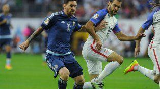 Messi superó a Batistuta como máximo goleador de la Argentina