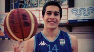 El jugador integró la Selección Argentina U18 que jugó en 2014 el Premundial FIBA Américas en USA.