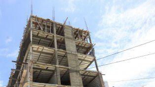 La construcción se derrumbó 19,2% y la industria, un 8%