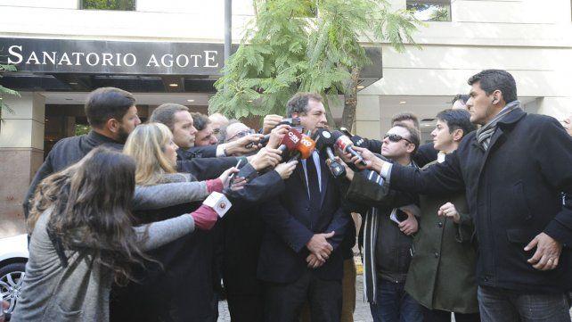 Tras la intervención quirúrgica en su rodilla, Macri se encuentra bien
