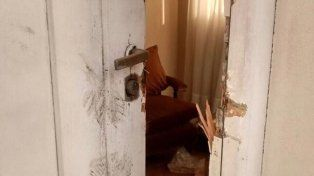 Cristina denunció que abrieron a patadas la puerta de la casa que era de sus suegros