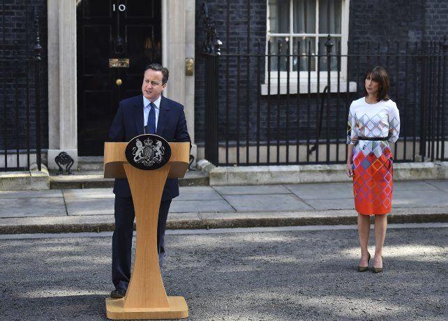 David Cameron anunció que renunciará después de que los británicos votaron a favor de abandonar la Unión Europea