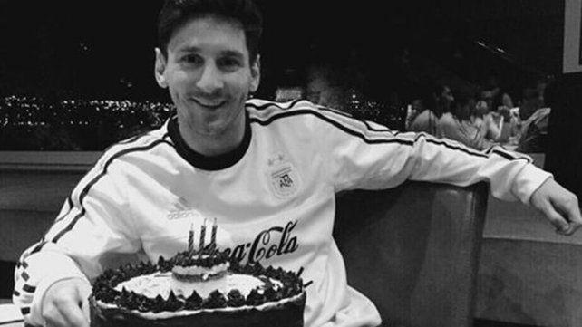 Lionel Messicumple hoy 29 años