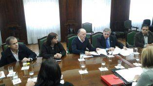 Garay junto a sus pares en la reunión con Aranguren. Fuente prensa Defensoría del Pueblo.