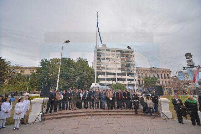 Se realizaron los actos oficiales por los 203 años de Paraná