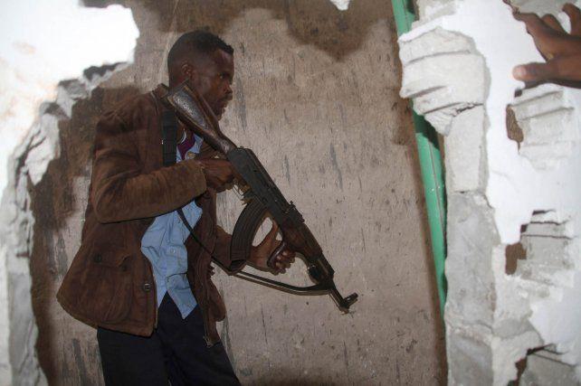 Atentado contra un hotel de Somalia provocó al menos 35 muertes