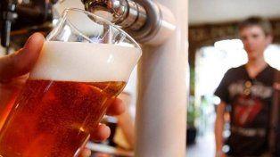 En Argentina se promociona el consumo de alcohol que en Entre Ríos genera graves problemas de adicciones. Foto Télam.