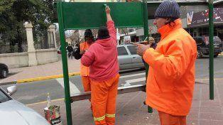 Los municipales trabajan en el reacondicionamiento de garitas