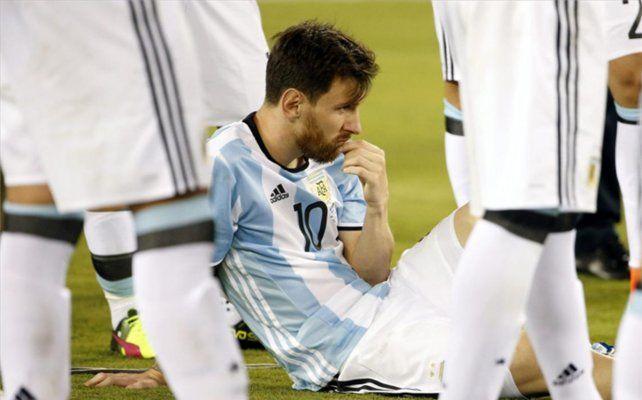 Los minutos de Lionel Messi en el peor vestuario: qué le dijo Sergio Agüero y su reacción al ver llorar a Thiago