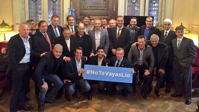 Los campeones del 86 también pidieron que Messi se quede en la Selección