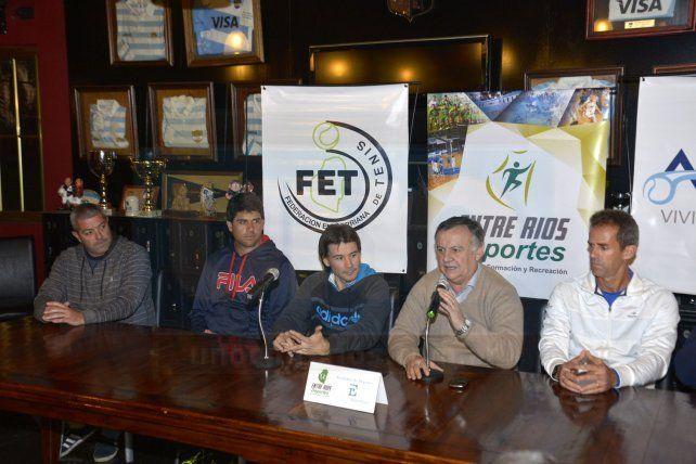 Coria llegó a Paraná para presentar el programa Nuestro Tenis