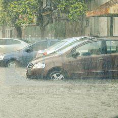 Diluvió en Paraná: alerta por lluvias y vientos con ráfagas