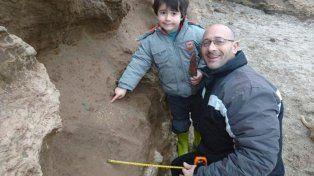 Un nene encontró fósiles de al menos medio millón de años