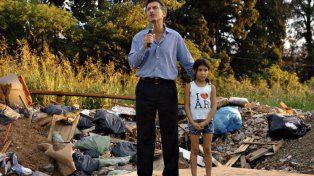 El gobierno de Macri está cada vez más lejos de la promesa de campaña Pobreza Cero.