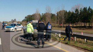 Investigan la muerte de un hombre cuyo cadáver apareció en la banquina de la Autovía 14
