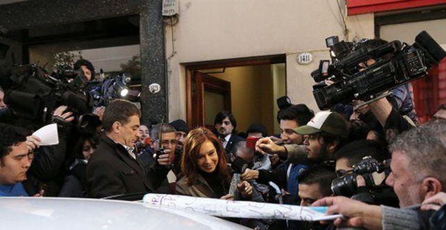 La expresidenta saliendo hacia Tribunales. Foto Télam.