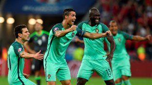 Cristiano festeja el segundo gol de Portugal.