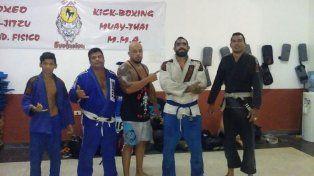 Luchadores. Los peleadores después de entrenar. Varios de ellos estarán en la cita del 13 de agosto en el Club San Agustín.