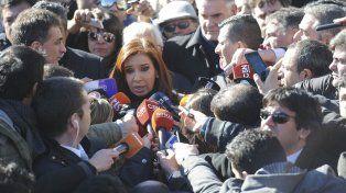 Cristina denunció que la Policía la persigue y la y Patricia Bullrich le contestó